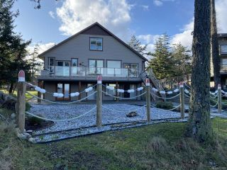 Photo 2: 706 Alvord Cres in COMOX: CV Comox Peninsula House for sale (Comox Valley)  : MLS®# 832809