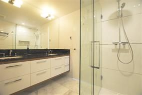 Photo 2: Photos: 2101 4360 BERESFORD Street in Burnaby: Metrotown Condo for sale (Burnaby South)  : MLS®# R2172786