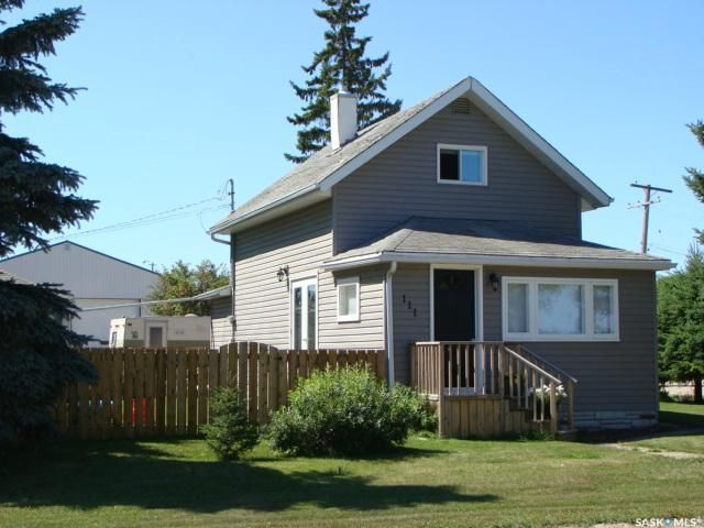 Main Photo: 111 4th Avenue West in Watrous: Residential for sale : MLS®# SK821819