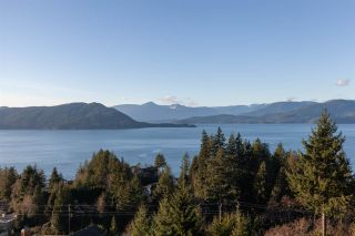 """Photo 29: 8609 SEASCAPE Place in West Vancouver: Howe Sound 1/2 Duplex for sale in """"Seascapes"""" : MLS®# R2528203"""