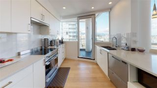 Photo 7: 3103 1201 MARINASIDE Crescent in Vancouver: Yaletown Condo for sale (Vancouver West)  : MLS®# R2575825