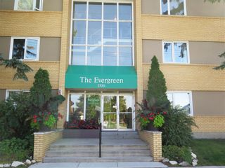 Photo 1: 5 1700 Taylor Avenue in Winnipeg: River Heights South Condominium for sale (1D)  : MLS®# 1925934