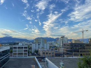 """Photo 2: 704 1575 W 10TH Avenue in Vancouver: Fairview VW Condo for sale in """"TRITON"""" (Vancouver West)  : MLS®# R2480004"""