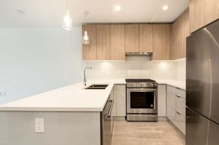 """Photo 3: 510 108 E 8TH Street in North Vancouver: Central Lonsdale Condo for sale in """"Crest"""" : MLS®# R2591618"""