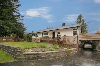 Photo 1: 1308 BAYVIEW Square in Coquitlam: Harbour Chines House for sale : MLS®# R2123105
