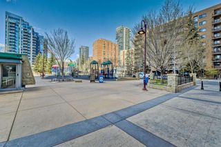 Photo 4: 1804 215 13 Avenue SW in Calgary: Beltline Apartment for sale : MLS®# A1101186