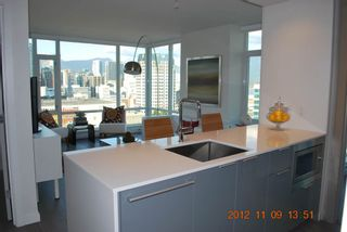 Photo 1: 2510 161 West Georgia Street in Vancouver: Downtown VW Condo for sale (Vancouver West)  : MLS®# v974384