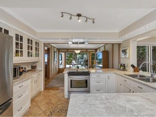 Photo 10: 371 McCurdy Dr in MALAHAT: ML Mill Bay House for sale (Malahat & Area)  : MLS®# 842698