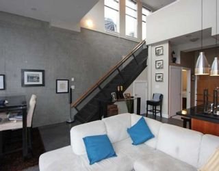 "Photo 2: 605 2635 PRINCE EDWARD Street in Vancouver: Mount Pleasant VE Condo for sale in ""SOMA LOFTS"" (Vancouver East)  : MLS®# V761642"