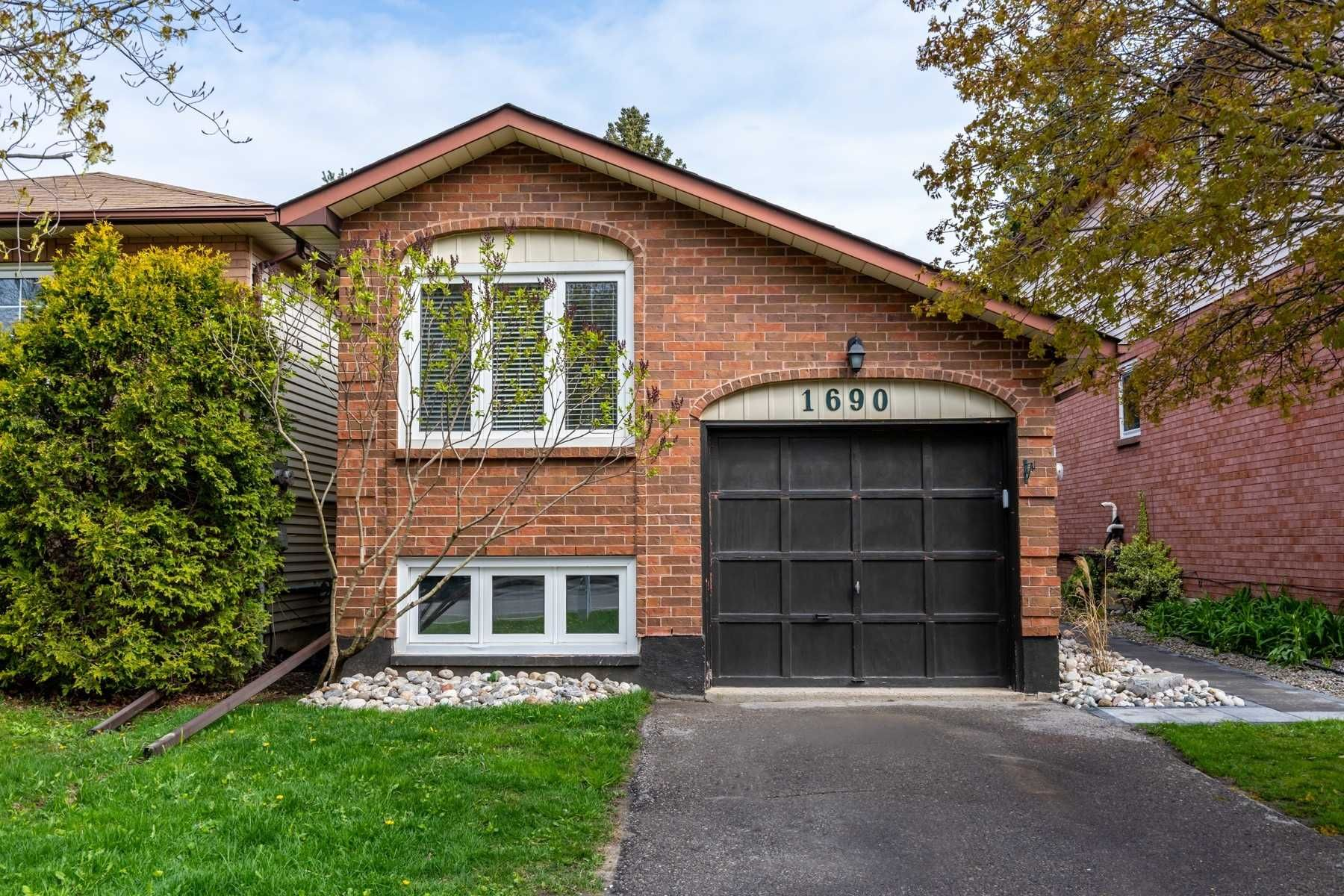 Main Photo: 1690 Nash Road in Clarington: Courtice House (Bungalow-Raised) for sale : MLS®# E5232932