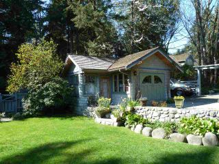 Photo 3: 1295 SINCLAIR Street in West Vancouver: Ambleside House for sale : MLS®# R2054349