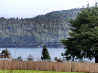 Photo 1: 203 6585 Country Rd in Sooke: Sk Sooke Vill Core Condo for sale : MLS®# 841018