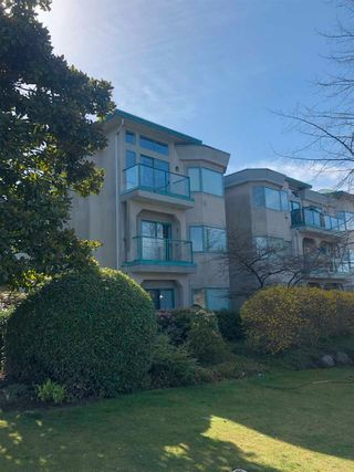 """Photo 2: 106 177 W 5TH Street in North Vancouver: Lower Lonsdale Condo for sale in """"The Jade"""" : MLS®# R2563159"""