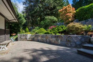 "Photo 3: 5932 SANDY HOOK Road in Sechelt: Sechelt District House for sale in ""SANDY HOOK"" (Sunshine Coast)  : MLS®# R2576016"