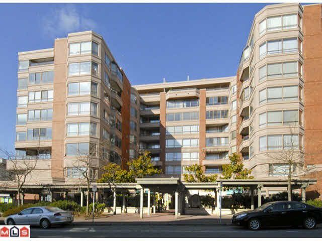 """Main Photo: 711 15111 RUSSELL Avenue: White Rock Condo for sale in """"Pacific Terrace"""" (South Surrey White Rock)  : MLS®# F1425012"""