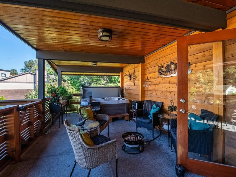 FEATURED LISTING: 39702 GOVERNMENT Road Squamish