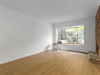 """Photo 3: 6 960 W 13TH Avenue in Vancouver: Fairview VW Townhouse for sale in """"BRICKHOUSE"""" (Vancouver West)  : MLS®# R2381516"""