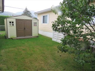 """Photo 20: 61 5742 UNSWORTH Road in Sardis: Vedder S Watson-Promontory Manufactured Home for sale in """"Cedar Grove"""" : MLS®# R2405974"""