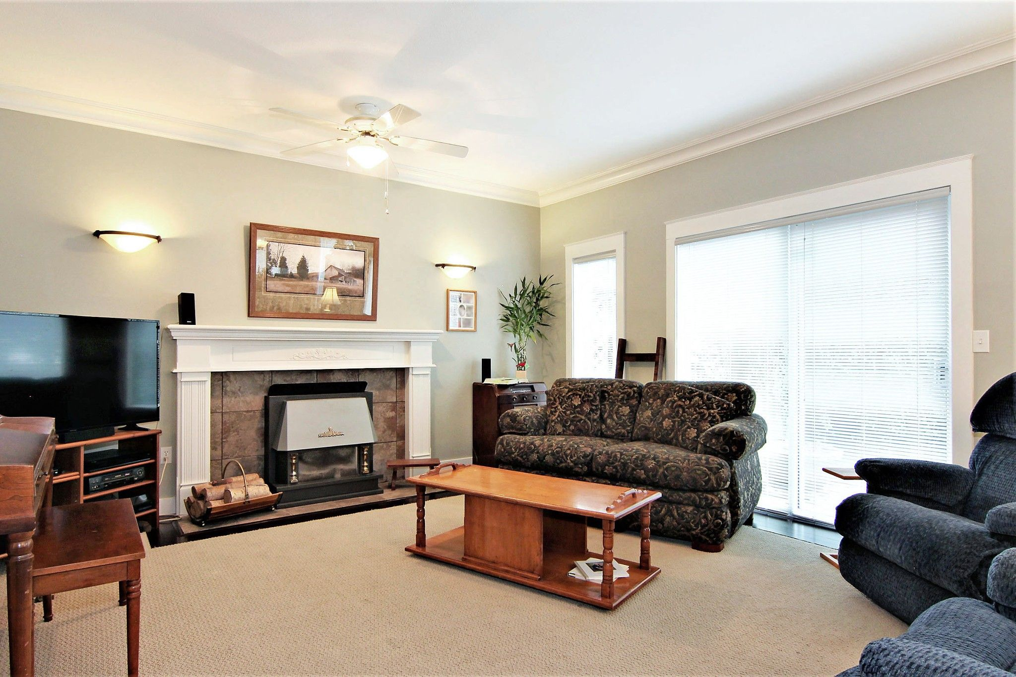 Photo 2: Photos: 2946 CARDINAL Place in Abbotsford: Abbotsford West House for sale : MLS®# R2384404
