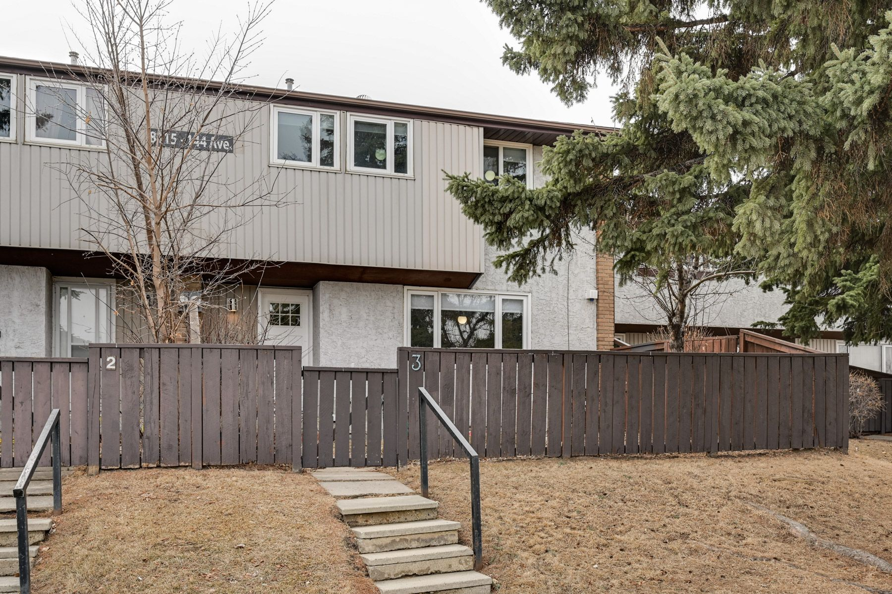 Main Photo: #3, 8115 144 Ave NW: Edmonton Townhouse for sale : MLS®# E4235047