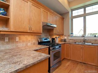 Photo 6: 122 2315 Suffolk Cres in COURTENAY: CV Crown Isle Row/Townhouse for sale (Comox Valley)  : MLS®# 680859