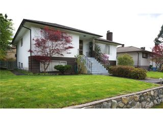"""Photo 3: 4756 WESTLAWN Drive in Burnaby: Brentwood Park House for sale in """"Brentwood Park"""" (Burnaby North)  : MLS®# V1059724"""