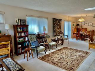 Photo 4: 12 1473 Garnet Rd in : SE Cedar Hill Row/Townhouse for sale (Saanich East)  : MLS®# 860169