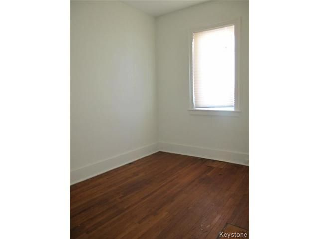 Photo 10: Photos:  in WINNIPEG: North End Residential for sale (North West Winnipeg)  : MLS®# 1404958