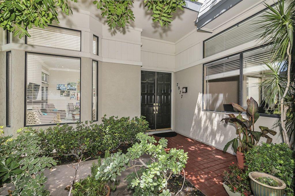 Main Photo: LA JOLLA Townhouse for sale : 3 bedrooms : 7977 Caminito Del Cid