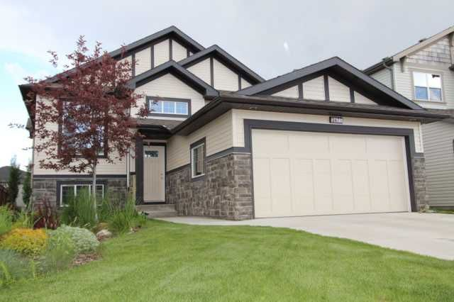 2475 Kingsland View - fully finished walk out Bi-level with SOUTH back yard - catch sun and put itt your pocket