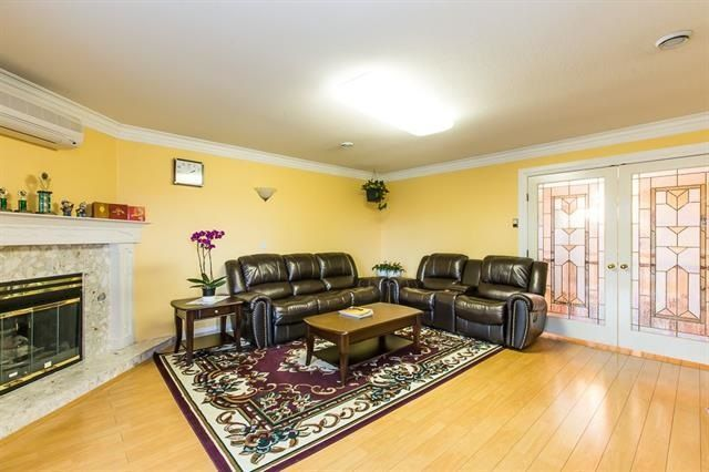 Photo 7: Photos: 14322 70A Avenue in Surrey: East Newton House for sale : MLS®# R2232090