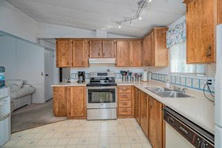 """Photo 10: 102 2303 CRANLEY Drive in Surrey: King George Corridor Manufactured Home for sale in """"SUNNYSIDE ESTATES"""" (South Surrey White Rock)  : MLS®# R2618060"""