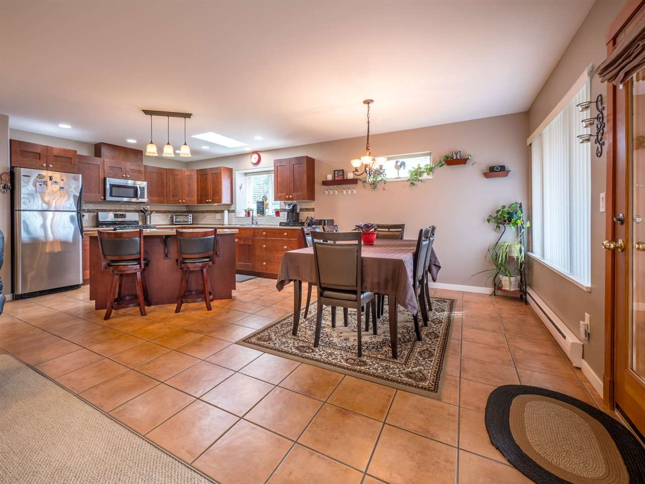 Photo 9: Photos: 6335 PICADILLY Place in Sechelt: Sechelt District House for sale (Sunshine Coast)  : MLS®# R2248834
