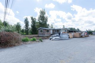 Photo 2: 29858 FRASER Highway in Abbotsford: Aberdeen House for sale : MLS®# R2477913