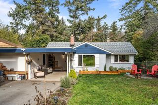 Photo 3: 940 Arundel Dr in : SW Portage Inlet House for sale (Saanich West)  : MLS®# 863550