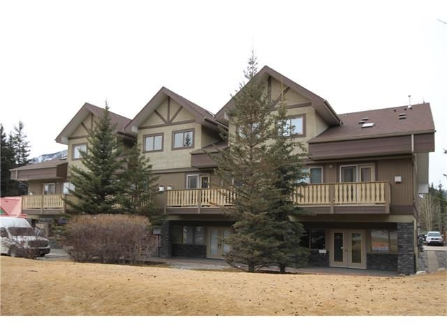 Main Photo: 201 512 Bow Valley Trail: Canmore Condo for sale : MLS®# C4109137