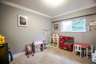 Photo 12: 4611 RAMSAY Road in North Vancouver: Lynn Valley House for sale : MLS®# R2167402
