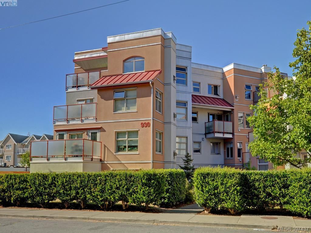 Main Photo: 304 930 North Park St in VICTORIA: Vi Central Park Condo for sale (Victoria)  : MLS®# 795027