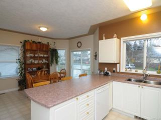 Photo 17: 201 2727 1st St in COURTENAY: CV Courtenay City Row/Townhouse for sale (Comox Valley)  : MLS®# 716740