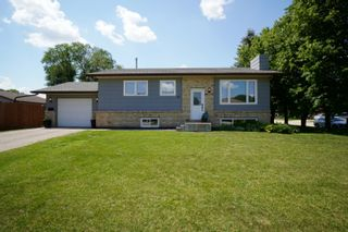 Photo 1: 40 Brown Bay in Portage la Prairie: House for sale : MLS®# 202116386