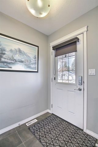 Photo 5: 11923 80 STREET in Edmonton: Zone 05 House Half Duplex for sale : MLS®# E4240220