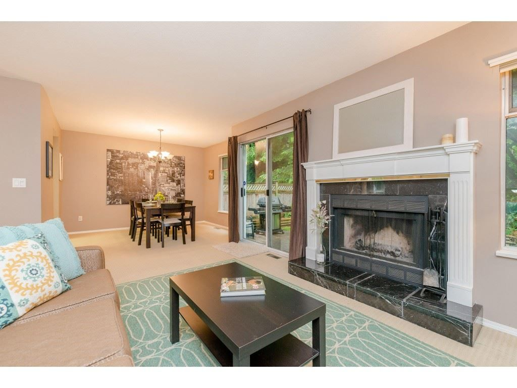 """Main Photo: 403 1180 FALCON Drive in Coquitlam: Eagle Ridge CQ Townhouse for sale in """"FALCON HEIGHTS"""" : MLS®# R2393090"""