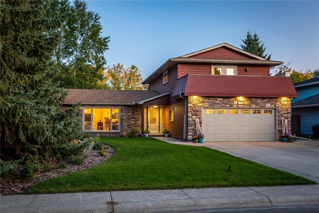 Main Photo: 10708 WILLOWFERN Drive SE in Calgary: Willow Park Detached for sale : MLS®# A1016709