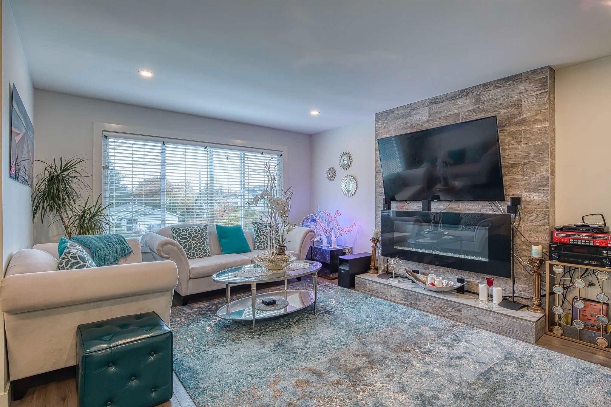Main Photo: 11672 203 Street in Maple Ridge: Southwest Maple Ridge House for sale : MLS®# R2607010