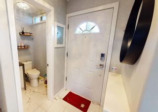 Photo 4: 402 9611 GLENDOWER Drive in Richmond: Saunders Townhouse for sale : MLS®# R2595081