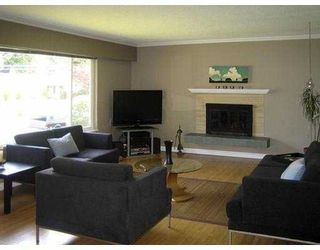 Photo 2: 2679 Sechelt Drive in North Vancouver: Blueridge NV House for sale : MLS®# V647634