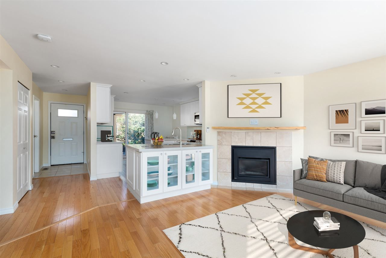 """Main Photo: 5 114 PARK Row in New Westminster: Queens Park Townhouse for sale in """"Clinton Place"""" : MLS®# R2537168"""