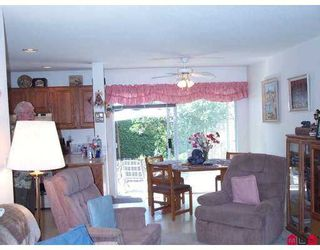 "Photo 4: 134 15988 83RD Avenue in Surrey: Fleetwood Tynehead Townhouse for sale in ""Glenridge Estates"" : MLS®# F2719346"