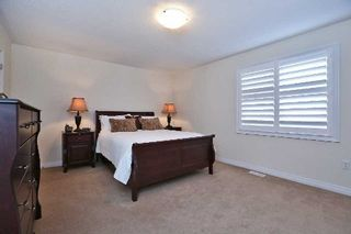 Photo 3: 853 Minchin Way in Milton: Harrison House (2-Storey) for sale : MLS®# W3024974