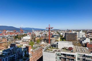 """Photo 3: 1503 108 W CORDOVA Street in Vancouver: Downtown VW Condo for sale in """"Woodwards"""" (Vancouver West)  : MLS®# R2571397"""